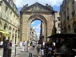 Porte Saint-Éloi et la grosse Cloche