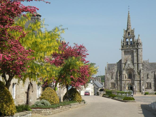 Excursion à Guerlesquin Finistère