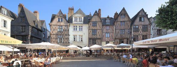 Le marché de Plumereau Mont Louis sur Loire