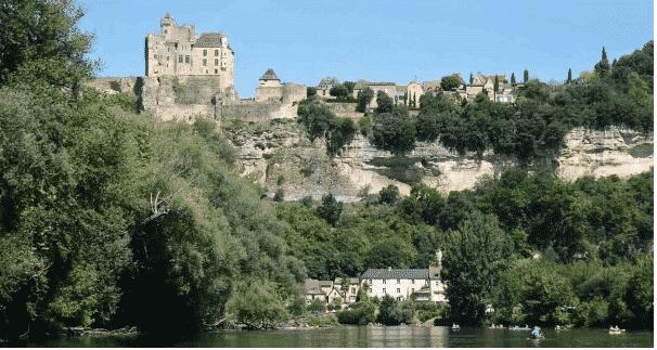 château de Beygnac à Dordogne
