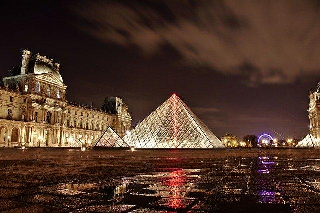 Musée de louvre à Paris