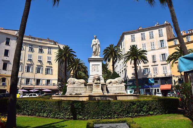Monument en Corse