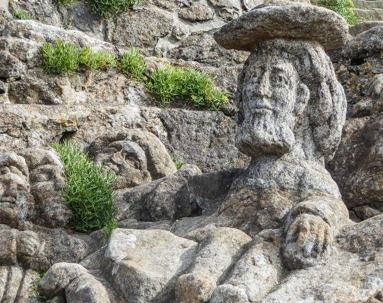 Rochers sculptés en Bretagne: ce que vous devez savoir (en 2020)
