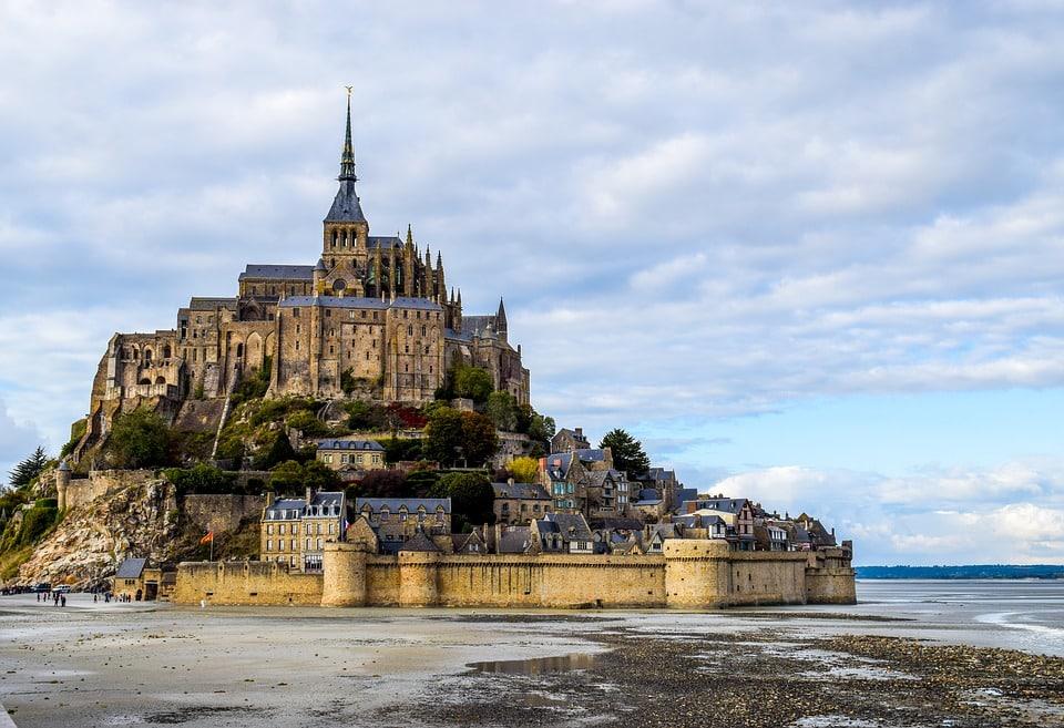 10 Sites Culturels Incontournables En France (Cette Année)