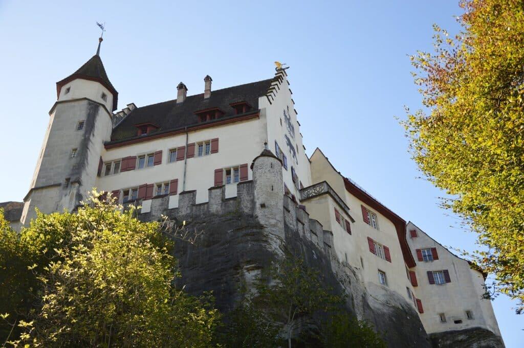 chateaux de Suisse