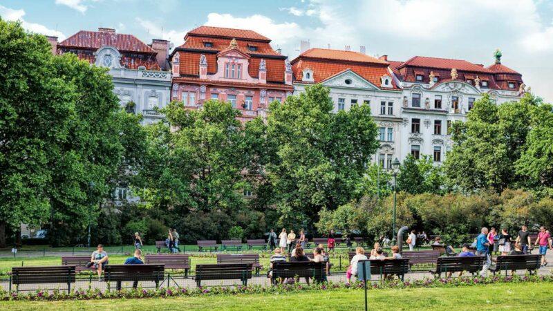 Top 15 des Destinations Pour Eviter le Tourisme de Masse